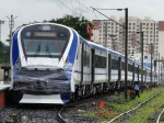 Train 18 यात्रियों के साथ वाराणसी रवाना, 2 हफ्ते की बुकिंग फुल