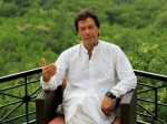 Imran Khan ने वित्त मंत्री को हटाया, ये थे आरोप