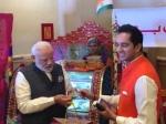 नरेद्र मोदी : रूपे कार्ड से विदेश में प्रसाद खरीदने वाले बने पहले पीएम