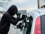 ये कारें हैं चोरों के निशाने पर, हो जाएं सतर्क