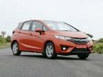 आधे से कम दाम में मिल रहीं कारें, Hyundai Verna की कीमत सिर्फ 2.10 लाख रु