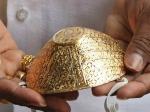 बेरोजगार होने के बाद इस शख्स ने तैयार किए सोने-चांदी के मास्क, अब हो गया मालामाल