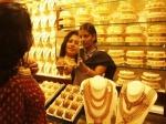 Gold : ऑलटाइम हाई से 8000 रुपये सस्ता हआ सोना, जानें रेट
