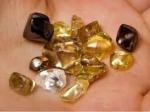 रंग लाई मेहनत : सालों ढूंढने के बाद 4 मजदूरों को मिला 8.22 कैरेट का हीरा, जानिए कीमत