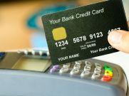 6 क्रेडिट कार्ड जिन पर वार्षिक शुल्क नहीं लगता