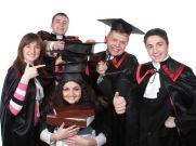 परदेश जा रहे छात्रों के लिए क्यों जरुरी है छात्र बीमा?