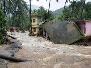 एसबीआई बैंक ने दो करोड़ रुपये देकर केरल बाढ़ पीड़ितों को