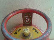 जान लें Gas Cylinder की एक्सपायरी डेट, फिर नहीं होगा हादसा