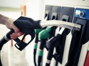 पेट्रोल के दाम में आज फिर आई गिरावट, डीजल 6 पैसे हुआ महंगा