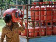 लॉकडाउन में गैस सिलेंडर मिलने का बदला नियम, अब ऐसे लें