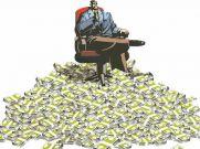 वारेन बफेट से भी अमीर आदमी रहता है भारत में, जानिए उसका नाम