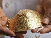 बेरोजगार होने के बाद 1 शख्स ने तैयार किए सोने-चांदी के मास्क