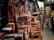 लकड़ी की चीजों से कमा रहा लाखों रु, हाथ में है शानदार हुनर