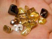 सालों ढूंढने के बाद 4 मजदूरों को मिला 8.22 कैरेट का हीरा