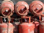 गैस सिलेंडर : चौथे माह फिर महंगा हुआ, जानिए नई कीमत