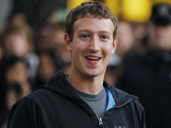 मार्क जुकरबर्ग को लगा बड़ा झटका, 1 दिन में गवाएं 395 अरब रुपए