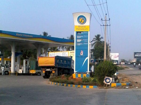 पेट्रोल पंप का लाइसेंस प्राप्त करने की प्रक्रिया को आसान बनाने की तैयारी