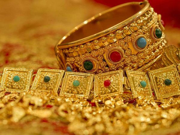 सोने की कीमत आज स्थिर, चांदी भी आज 40 रुपए सस्ती हुई
