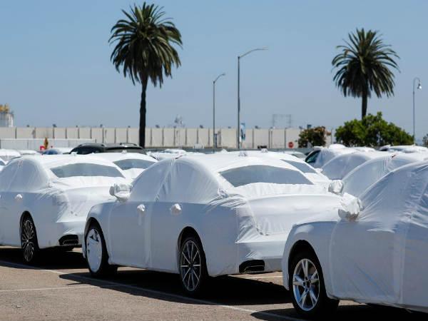 पाकिस्तान के कार बाजार की टूटी कमर, नहीं मिल रहे खरीदार