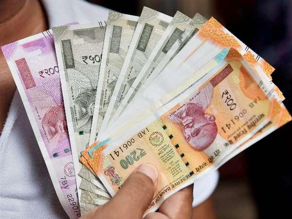 कोर्ट: नोटों और सिक्कों के साइज में बदलाव को लेकर आरबीआई को पड़ी डांट