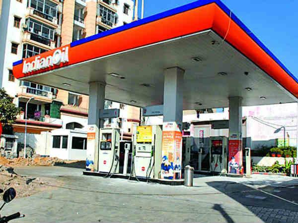 पेट्रोल और डीजल का रेट और बढ़ा, नहीं थम रहा रेट का बढ़ना