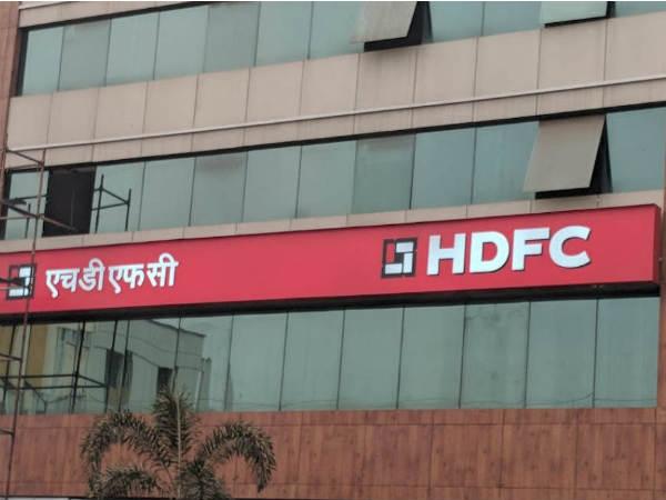 HDFC का मुनाफा 4 गुना बढ़ कर रहा 8372 करोड़ रुपये