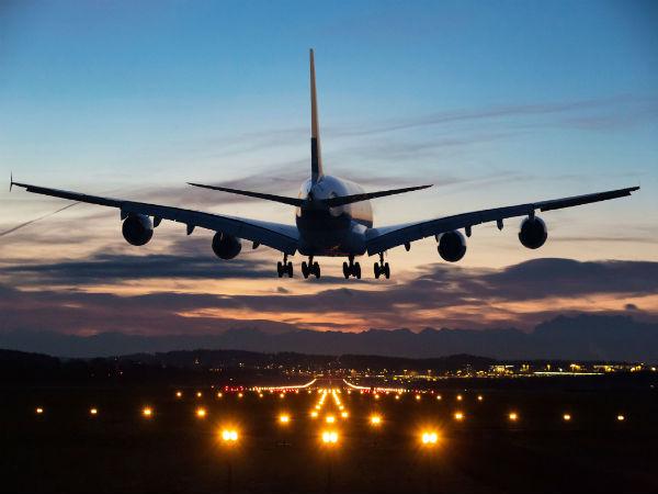 कर्ज में डूबी ये कंपनी मात्र 799 रुपये में दे रही हवाई सफर का मौका