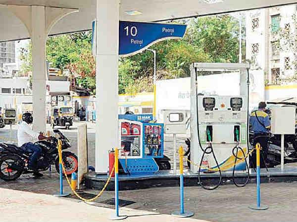 बड़ी राहत : पेट्रोल और डीजल दोनों के रेट घटे