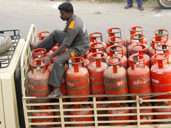 कोलकाता में गैस सिलेंडर का नया रेट