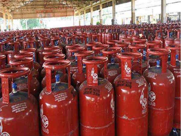 Gas Cylinder : किसी भी दुर्घटना पर मिलता है 6 लाख रु का बीमा, जानिए कैसे
