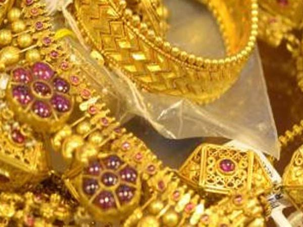पहले से और सस्ता हुआ सोना, चांदी में भी बड़ी गिरावट