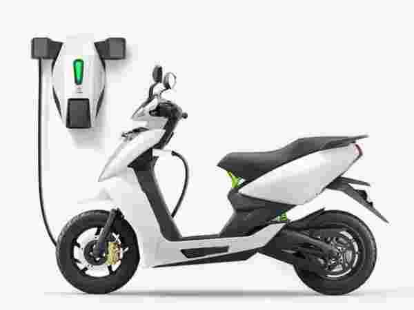 Electric स्कूटर की बुकिंग पर जीत सकते हैं दूसरा स्कूटर, जानिए कब तक मौका