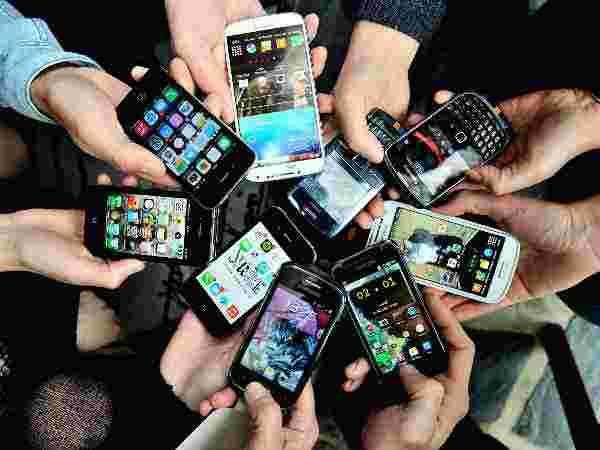 Flipkart Sale: 70 हजार रुपये का Smartphone खरीदें 25 हजार रु से भी कम में
