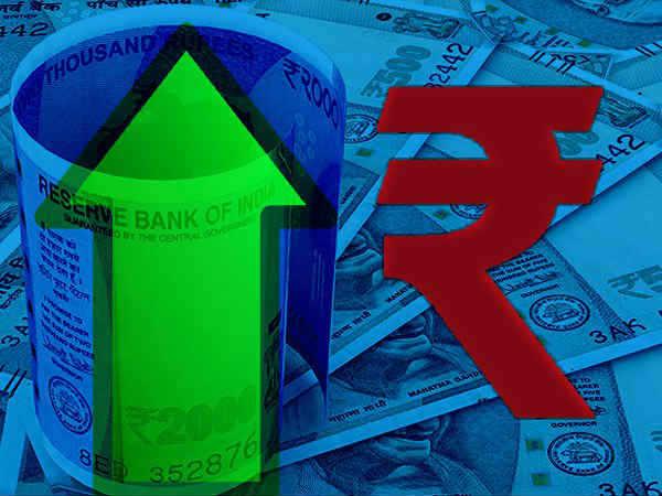 आज डॉलर के मुकाबले रुपया 2 पैसे मजबूत खुला