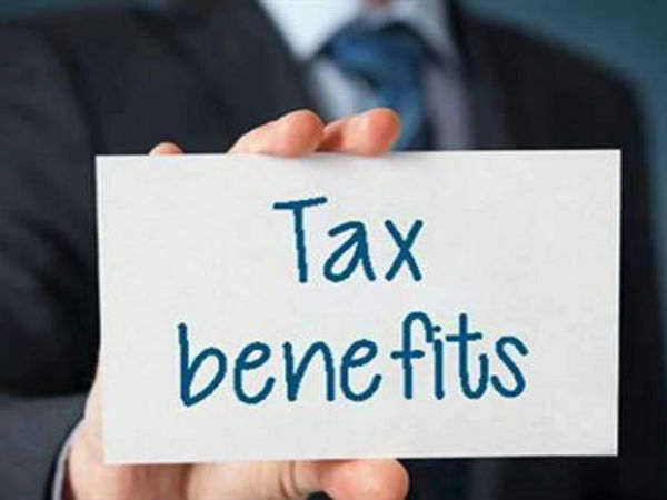 Income Tax : पत्नी को गिफ्ट में दिए पैसे पर छूट मिलती है या नहीं, जानिए