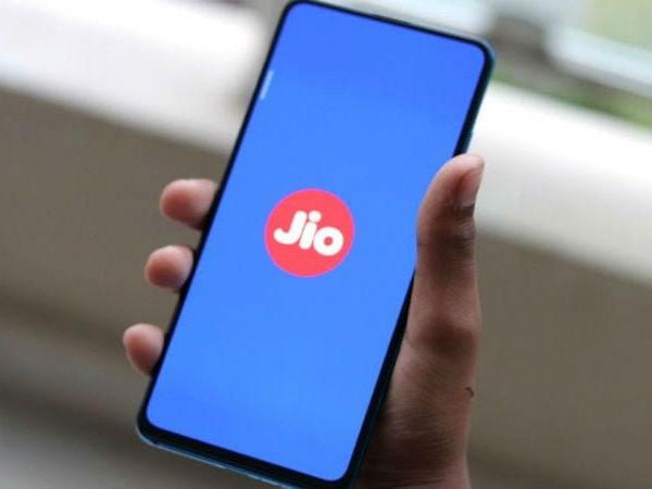 Reliance Jio : अगले महीने आ सकता है 4जी स्मार्टफोन, उससे पहले जानिए 7 जरूरी बातें