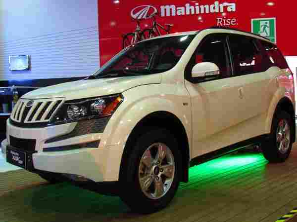 3 लाख रुपये तक की भारी छूट के साथ खरीदें Mahindra की कारें, चेक करें डिटेल