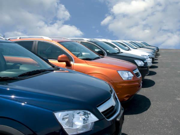 बढ़िया ऑफर : 1.78 लाख रुपये में खरीदें ये CAR, जानिए कैसे और कहां से