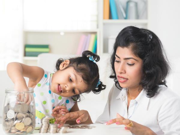 बच्चों के नाम शुरू करें 10000 रु से निवेश, नौकरी से पहले हो जाएगा करोड़पति