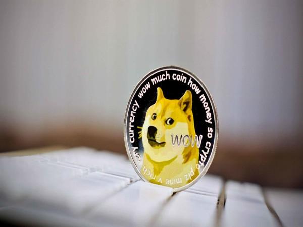 DogeCoin 23 फीसदी और चढ़ा, 1 साल में करा चुका है 5900 फीसदी का फायदा