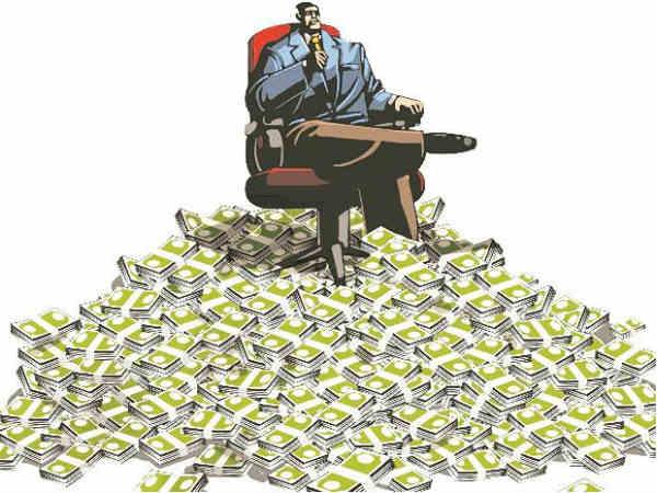 अंबानींनी दररोज 169 कोटी रुपये कमावले