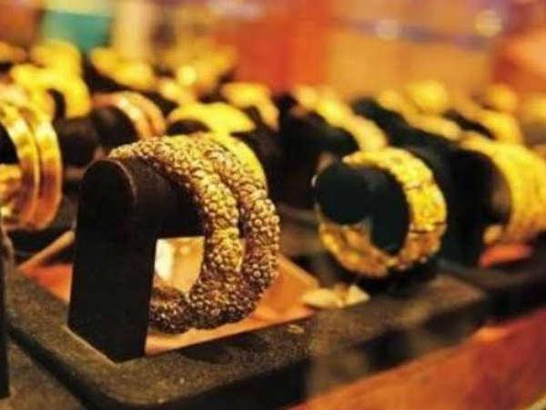 Gold : ऑल टाइम हाई से हुआ 10,000 रु सस्ता, आया खरीदने का मौका