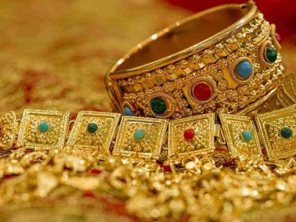 Gold : सुबह रेट में आई भारी गिरावट, जानिए कितना सस्ता हुआ सोना