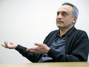 Success Story Nri Billionaire Manoj Bhargava
