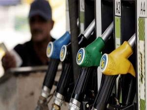 Petrol Price Falls 11th Day Down 40 Paise Ltr Delhi