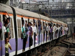 Indian Railway Passengers Have To Give Penalty For Excess Luggage
