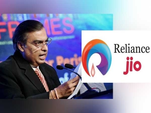 Reliance Market Cap Crosses 8 Trillion Rs The First Time