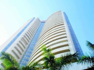 Sensex Nifty Continue To Trade Flat