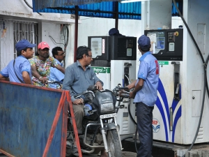 Petrol Diesel Price Continue Increase Then At New Heights