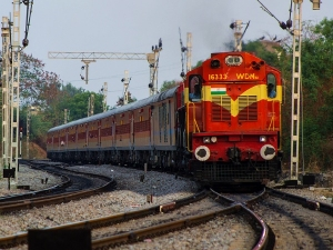 Indian Railways To Start Uts Ticketing Service From 1 November